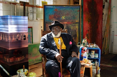 Sir Frank Bowling RA OBE 2020 photo by Sacha Bowling courtesy the artist smaller